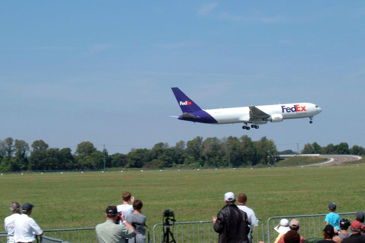 FedEx aircraft departing Millington Airport